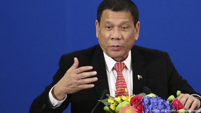 China Peking Staatsbesuch Rodrigo Duterte Philippinen (picture-alliance/AP Images/Wu Hong)