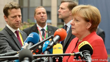 Los embajadores ante la Unión Europea de los países del bloque convocaron a reunión extraordinaria en Bruselas para buscar una solución a la firma del tratado bilateral de comercio con Canadá (CETA). (20.10.2016)