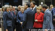 Brüssel EU Gipfel Gruppe May Merkel (picture-alliance/dpa/T. Roge)