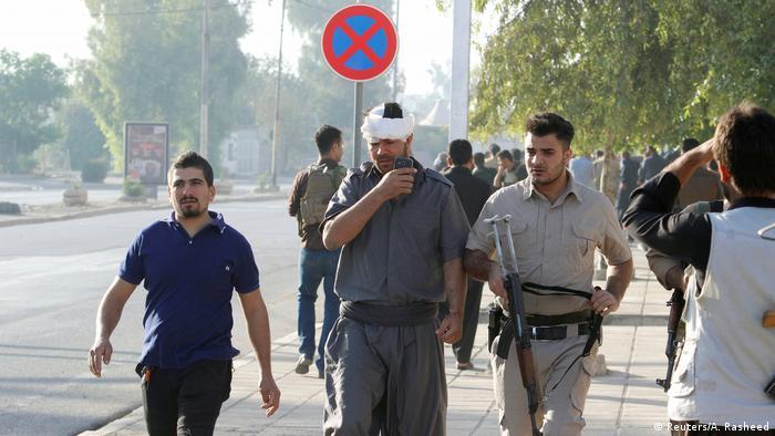 Ein bei den Kämpfen verletzter Peschmerga (Reuters/A. Rasheed)