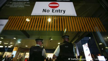 Großbritannien - London City Flughafen - Nach Chemieunfall evakuiert (Getty Images/AFP/D. Leal-Olivas)