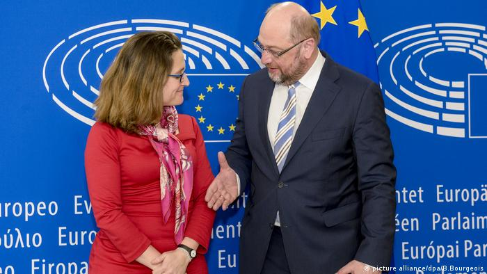 Chrystia Freeland und Martin Schulz (picture alliance/dpa/B.Bourgeois)