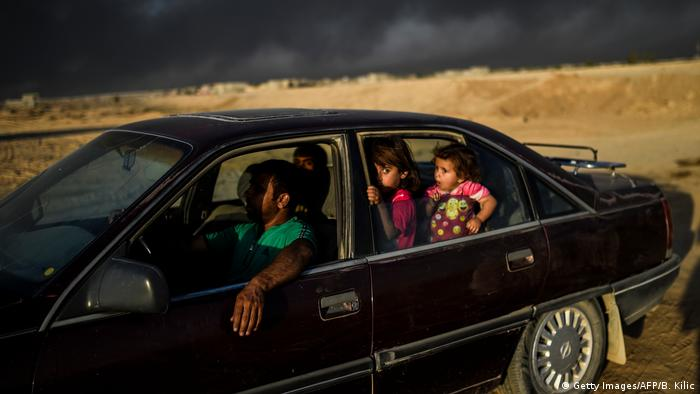 Irak Kampf um Mossul gegen den IS - Flüchtlinge in Qayyarah (Getty Images/AFP/B. Kilic)