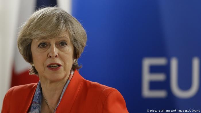 Una grabación secreta filtrada a The Guardian revela los temores de May sobre daños a la economía, que contrastan con dura postura adoptada ahora, sin acceso al mercado único, en aras de reducción de la inmigración. 26.10.2016