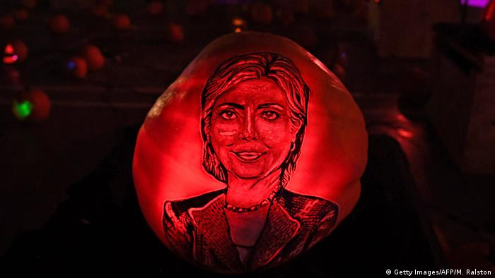 Hillary Clinton's face on a pumpkin at the Rise of the Jack O'Lanterns show in Los Angeles, California on October 16, 2016 (Getty Images/AFP/M. Ralston)