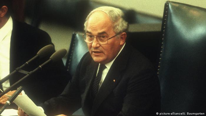 25 de Outubro de 1984: Suborno derruba presidente do Parlamento alemão