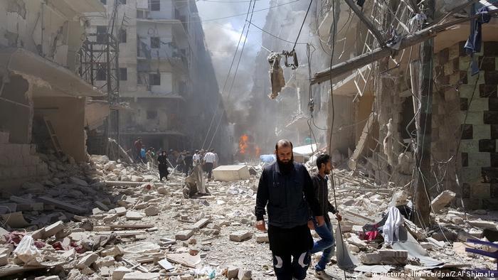 Syrien Aleppo Trümmer (picture-alliance/dpa/Z.Al Shimale)