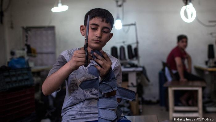 Türkei | Syrische Flüchtlingskinder arbeiten in einer Textilfabrik in Gaziantep