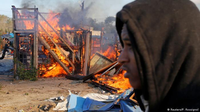 Frankreich Jungle Calais wird abgebaut (Reuters/P. Rossignol)
