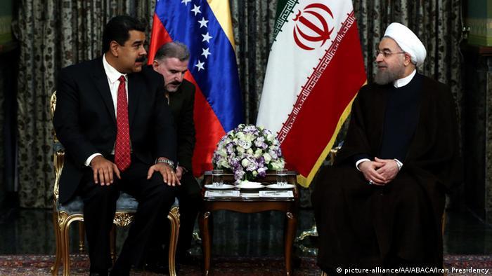 Iran venezolanischer Präsident Nicolas Maduro besucht Präsident Hassan Rohani (picture-alliance/AA/ABACA/Iran Presidency)