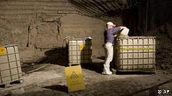 A worker in a radioactivity control area in the Asse mine