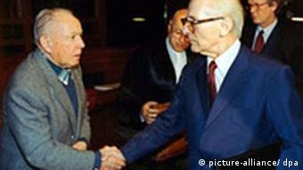 Mielke und Honecker 1992 - im Gericht (Foto: dpa)