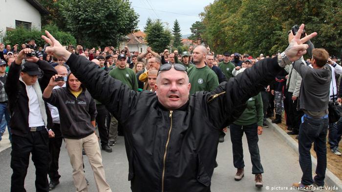 Sympatycy skrajnie prawicowej Partii Ludowej Nasza Słowacja Mariana Kotleby