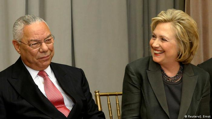 Colin Powell und Hillary Clinton in Washington (Reuters/J. Ernst)