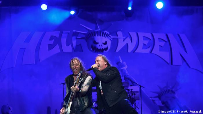 Helloween guitarist Markus Grosskopf left and singer Andi Deris perform (Imago/CTK Photo/R. Petrasek)