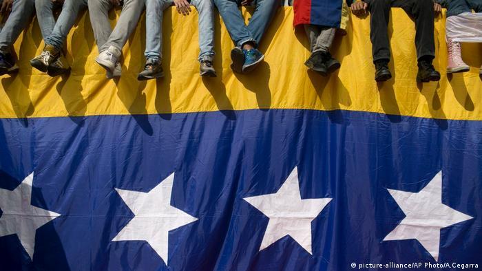 Venezuela Krise Politik Proteste Demonstration (picture-alliance/AP Photo/A.Cegarra)