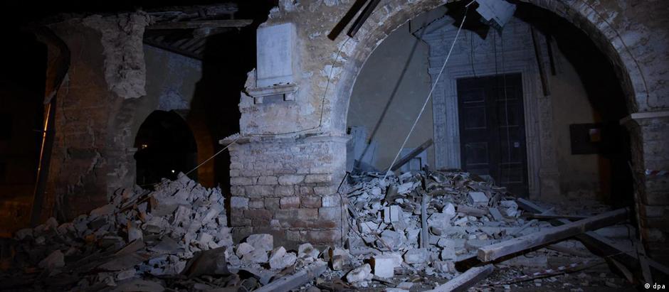 Tremores abalaram construções na cidade de Villa Sant'Antonio, próxima a Visso