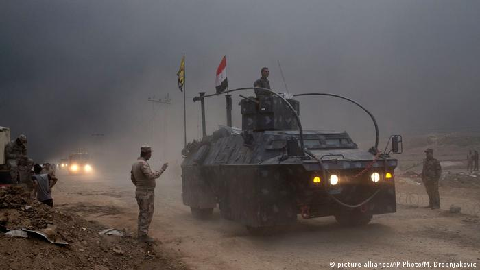 Irak Anti-Terror Offensive auf Mossul (picture-alliance/AP Photo/M. Drobnjakovic)