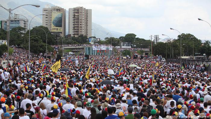 Venezuela Demonstration Caracas (picture alliance/Zumapress)