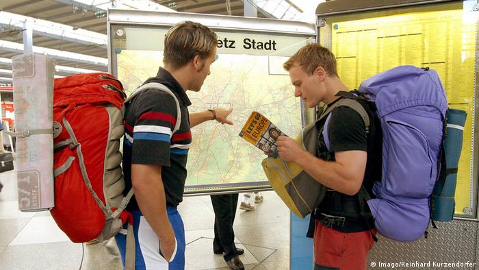 Turisti sa naprtnjačom
