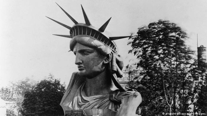 New York, Freiheitsstatue / Kopf in Paris (picture-alliance/akg-images)