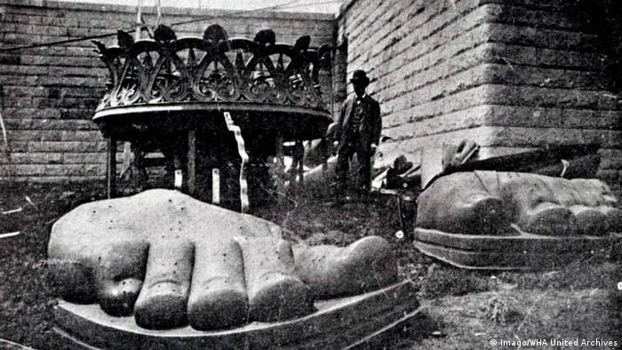 USA New York Freiheitsstatue Fuß (Imago/WHA United Archives)