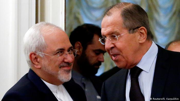 محمد جواد ظریف، وزیر امور خارجه ایران و همتای روسی او، سرگئی لاوروف (عکس آرشیوی است)