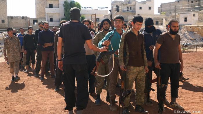 Syrien Rebellenkämpfer (Reuters/A. Ismail )