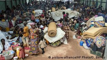 Zentralafrikanische Republik Kaga Bandoro Flüchtlingscamp (picture-alliance/AP Photo/D. Belluz)