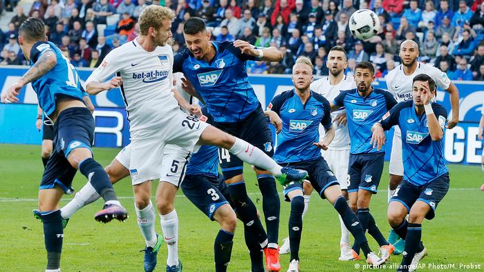 Deutschland Fußball Bundesliga - 1899 Hoffenheim vs. Hertha BSC (picture-alliance/AP Photo/M. Probst)