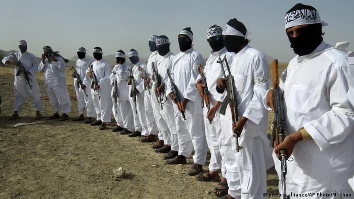 Taliban-Kämpfer in der afghanischen Provinz Zabul (Foto: picture-alliance/AP Photo/M. Khan)