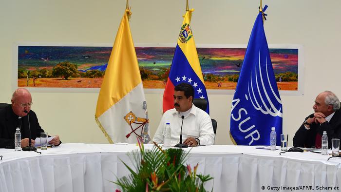 Venezuela Regierung nimmt Dialog mit Opposition auf (Getty Images/AFP/R. Schemidt)