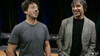 Zehn Jahre älter und reicher: Sergey Brin (l.) und Larry Page bei der Präsentation des neuen Google-Browsers 'Chrome' am 2.9.2008 (Foto: AP)