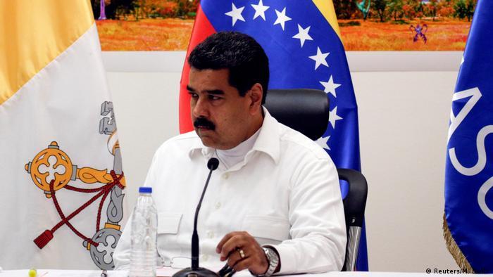 Venezuela Sitzung Regierung-Opposition in Caracas Nicolas Maduro (Reuters/M. Bello)