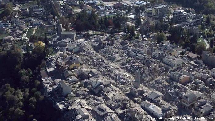Italien Nach dem Erdbeben in Amatrice