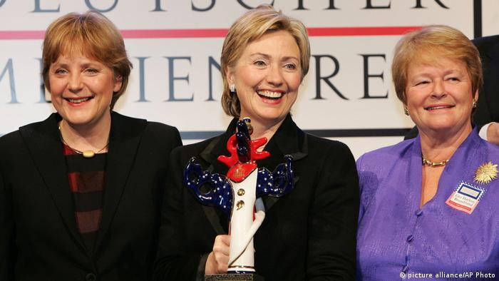 Hillary Clinton Senatorin USA 2005 mit Angela Merkel und Gro Harlem Brundtland