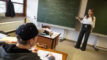 Deutschkurse   Bandtagebuch 2   Folge Deutschlehrerinnen   Übungsbild 1