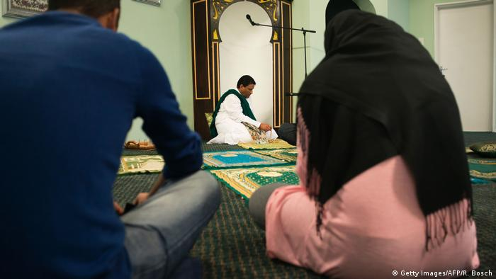 A gay imam's quiet revolutionary Islam in South Africa