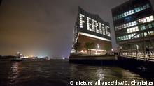 Deutschland Fertigstellung Elbphilharmonie in Hamburg (picture-alliance/dpa/C. Charisius)