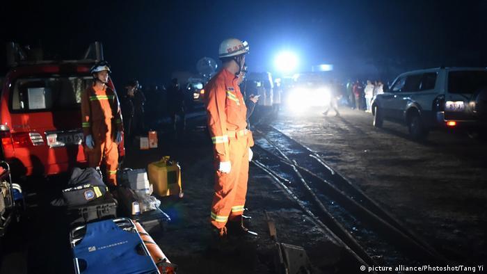 China Grubenunglück in Jinshangou (picture alliance/Photoshot/Tang Yi)