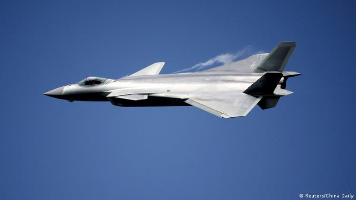 China Kampfflugzeug J-20 (Reuters/China Daily)