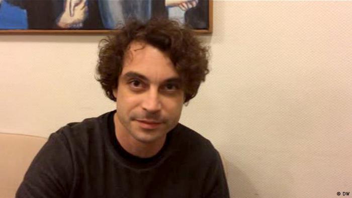 Jornalist Özgür Mumcu Videostill Interview