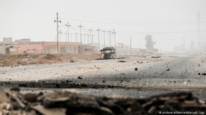 Irak Militäroffensive in Mossul (picture-alliance/abaca/A. Izgi)