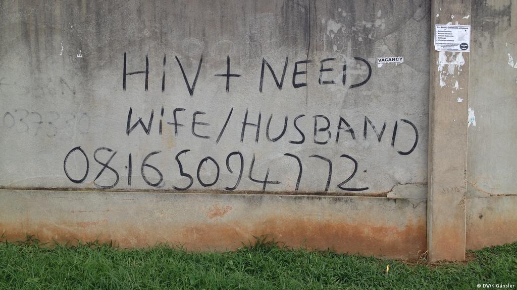 hiv singles Nigérie online znásilnění gangu