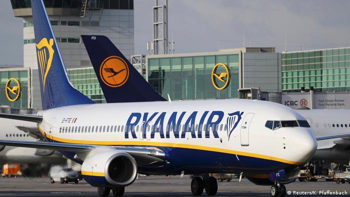A Ryanair plane in Frankfurt (Reuters/K. Pfaffenbach)