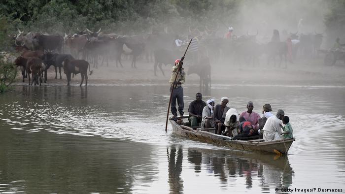 La gente de la region del Lago Chad necesita del agua para sobrevivir.