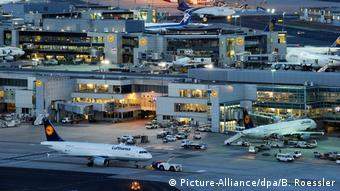 Франкфуртский аэропорт в вечерний час пик