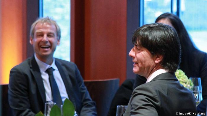 Deutschland Joachim Löw und Jürgen Klinsmann beim 42. Ordentlicher Bundestag des DFB (imago/K. Hessland)