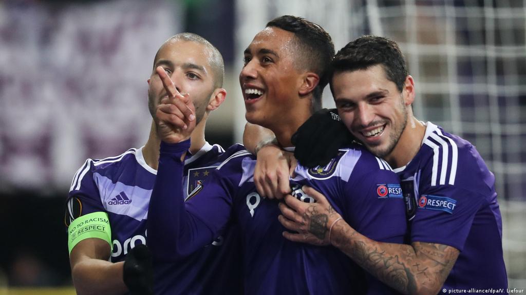 Europa League: Schalke go through to last 32, Mainz humbled