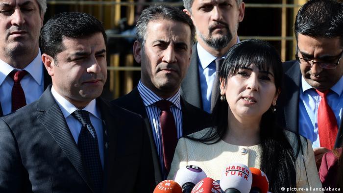 Türkei   Verhaftung der beiden Vorsitzenden der prokurdischen Partei HDP - Archivbilder-